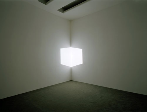 James Turrell. Afrum I (White), 1967. Projected light, dimensions variable. Solomon R. Guggenheim Museum, New York, Panza Collection, Gift 92.4175. © James Turrell. Installation view: Singular Forms (sometimes repeated). Photograph: David Heald © Solomon R. Guggenheim Foundation, New York.