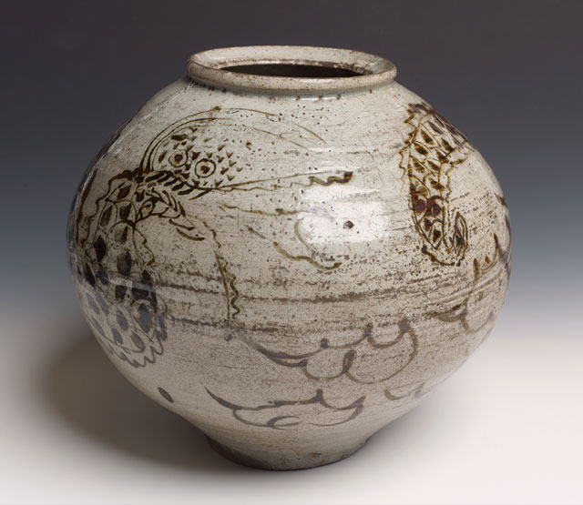 Unknown Artist. Dragon Jar, c1500–1600. Stoneware, glaze. © Manchester Art Gallery / Bridgeman Images.