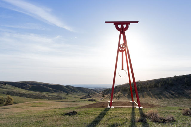 Mark di Suvero, Proverb, 2002. Painted Cor-ten steel, 60 ft. x 17 11/16 ft. x 31 1/2 ft. Image courtesy of Tippet Rise Art Center/Iwan Baan. Photograph: Iwan Baan.