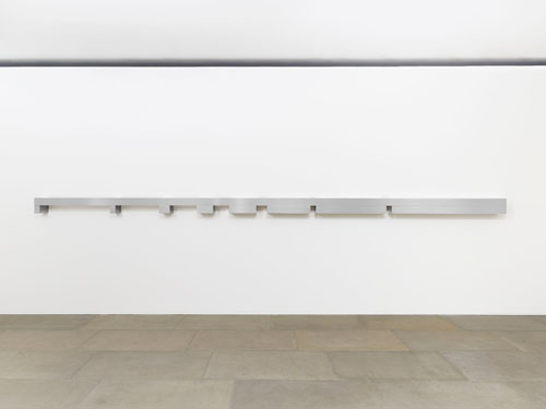 Donald Judd. Untitled, 1969. Clear anodized aluminium and brushed aluminium, 21 x 642.6 x 20.3 cm (8¼ x 253 x 8 in). © the artist. Image courtesy of the artist and Blain|Southern. Photograph: Prudence Cuming.