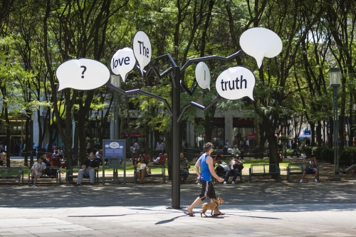 Hank Willis Thomas. The Truth is I Love You, 2015. Painted steel. Courtesy the artist and Jack Shainman Gallery. Photograph: James Ewing, Courtesy Public Art Fund, NY.