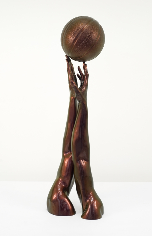 Hank Willis Thomas. Tip Off, 2014. Polyester resin (fibreglass). 43 x 13 x 11 in. Courtesy of the artist and Jack Shainman Gallery, New York.