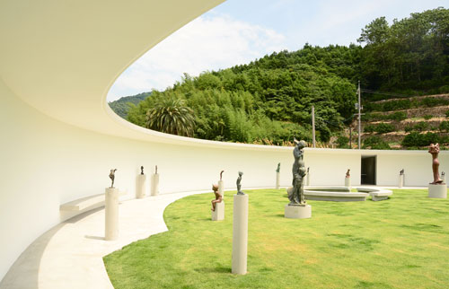 Ken Iwata Mother and Child Museum, Imabari City Japan. Architect: Toyo Ito. (View 1).