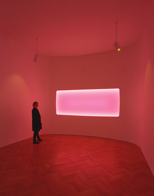 James Turrell. Ukaloo, Wide Glass, 2011. Installation view (3), courtesy Pace London. © James Turrell, Florian Holzherr.