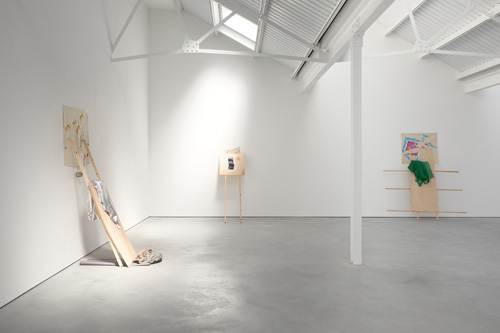 Richard Tuttle, Separation, Stuart Shave/Modern Art, London, 5 - 27 June 2015, exhibition view.