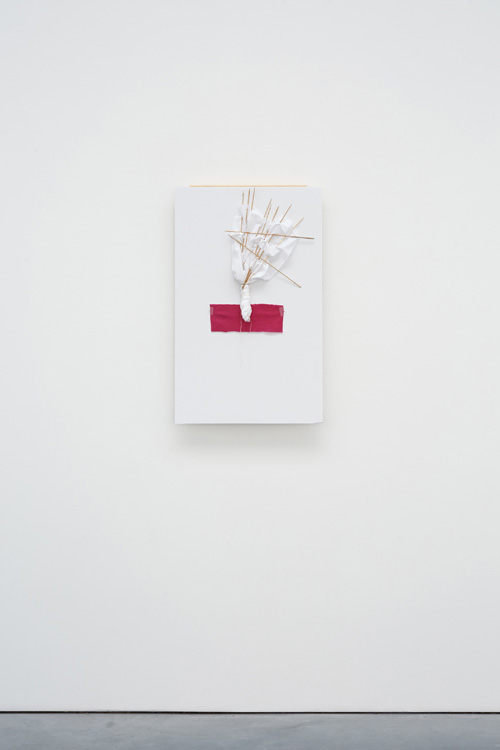 Richard Tuttle. Separation (Group 3, Number 1), 2015. Styrofoam board, pine molding, bamboo skewers, synthetic fibre, cotton, thread, wire, transparent tape, 58.4 x 50.8 cm (23 x 20 in).