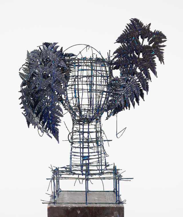 Manolo Valdés. Blue Ferns II, 2016. Painted steel, 21 x 17 x 13 in. Copyright Manolo Valdés, courtesy Marlborough Fine Art, London.