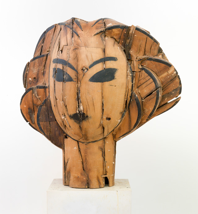 Manolo Valdés. Head, 2016. Wood, 37 x 41 x 70 in. Copyright Manolo Valdés, courtesy Marlborough Fine Art, London.