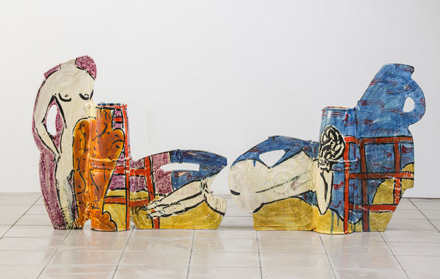 Betty Woodman. Posing with Vases at the Beach, 2008. Glazed earthenware, epoxy resin, lacquer, acrylic paint, 84 x 206 x 17 cm. 