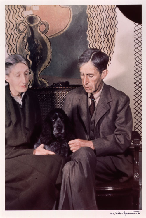 Gisele Freund. Virginia and Leonard Woolf, 1939. © Estate Gisèle Freund/IMEC Images.